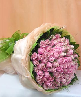 99 roses : - flowers to China